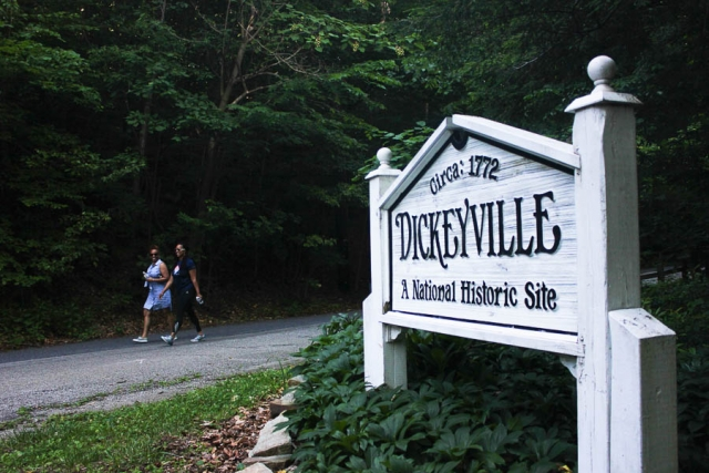 Walkers start the Gwynn Falls Trail in Dickeyville 2016- Carlye Brooks