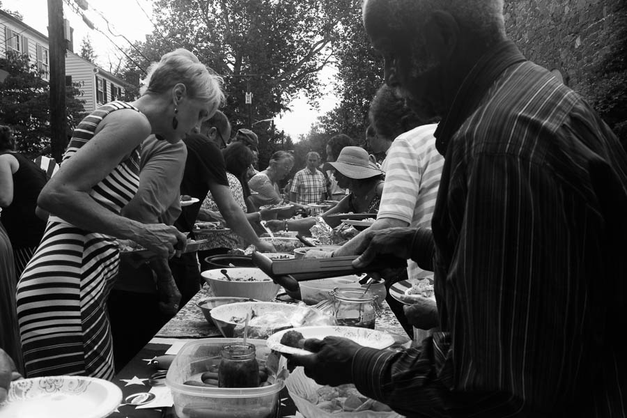 Dinner buffet on Pickwick Road_July 2016_Carlye Brooks