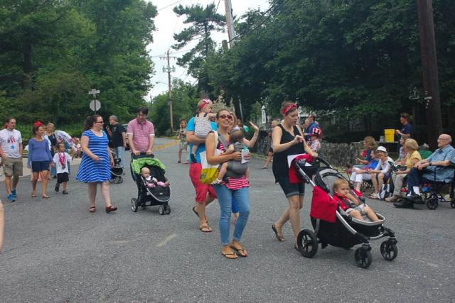 Parent Rocking Group at parade_July 2016_Carlye Brooks