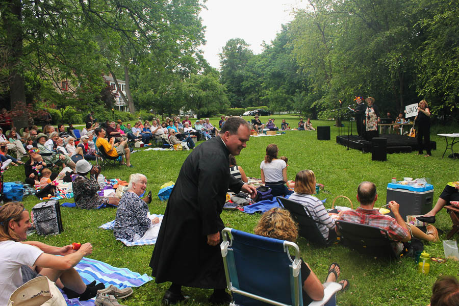 Performer Mike Blair_Shakespeare in the Park_July 2016- Carlye Brooks